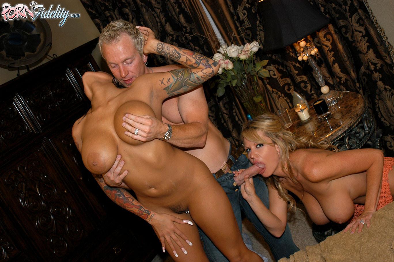 Ricki raxx threesome