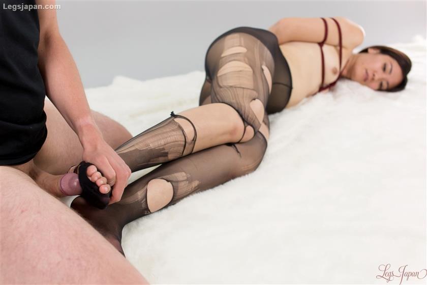 Pantyhose japanese blowjob penis and facial