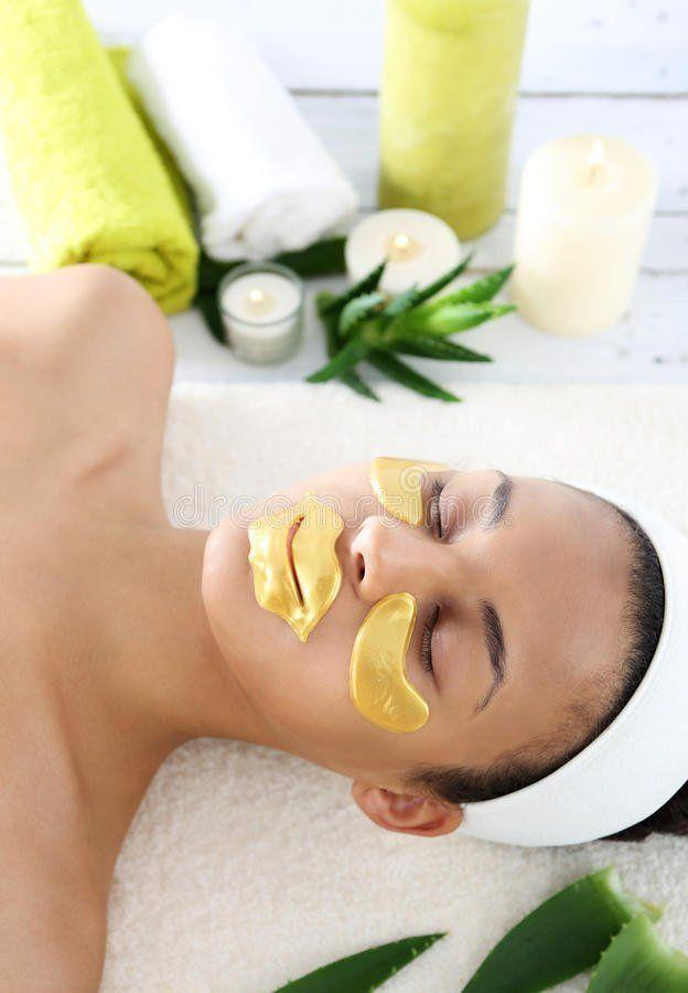 Cherry P. reccomend Facial hydrogel mask for plastic surgeons
