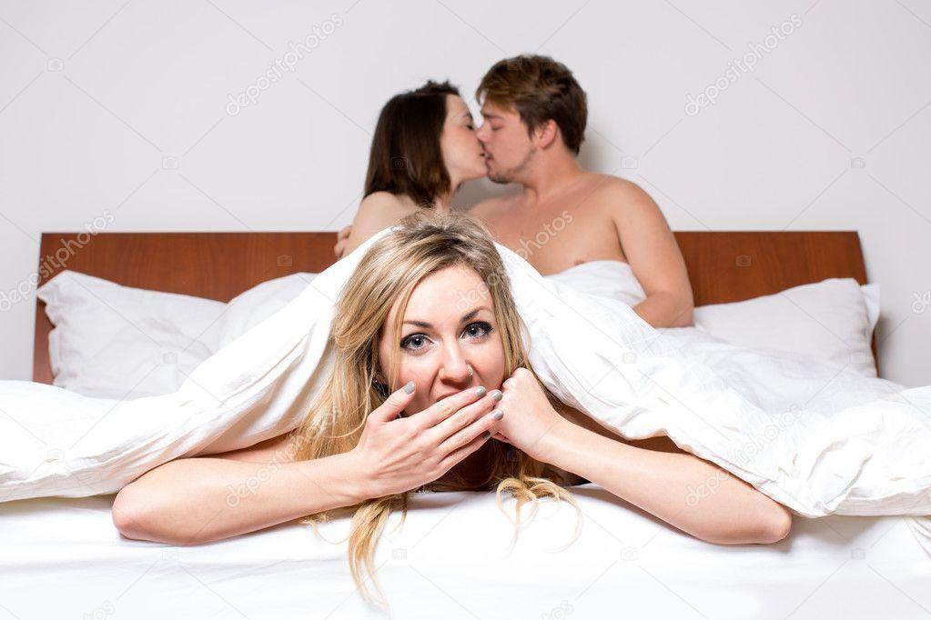 Ginger reccomend Threesome les bed