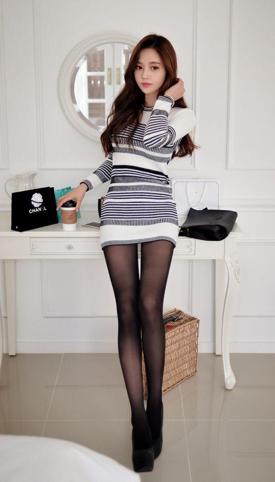 Chinese babe in pantyhose
