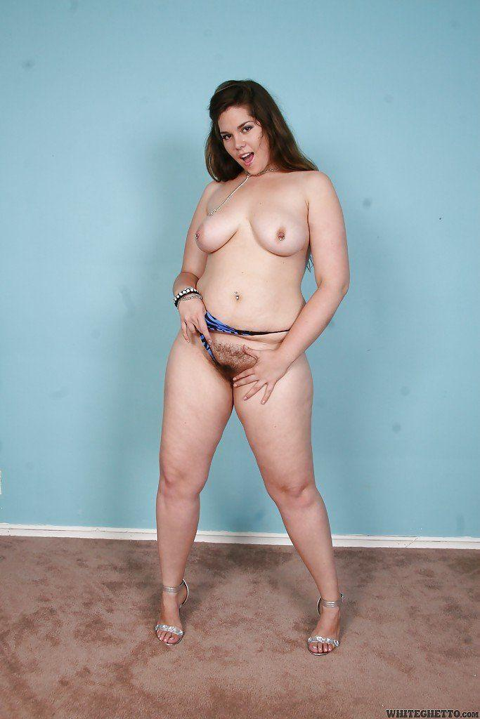 Chubby brunettes stripping