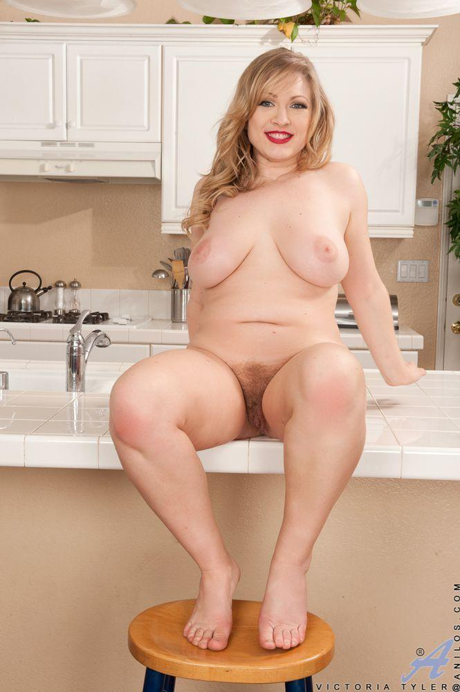 Chubby hot natural