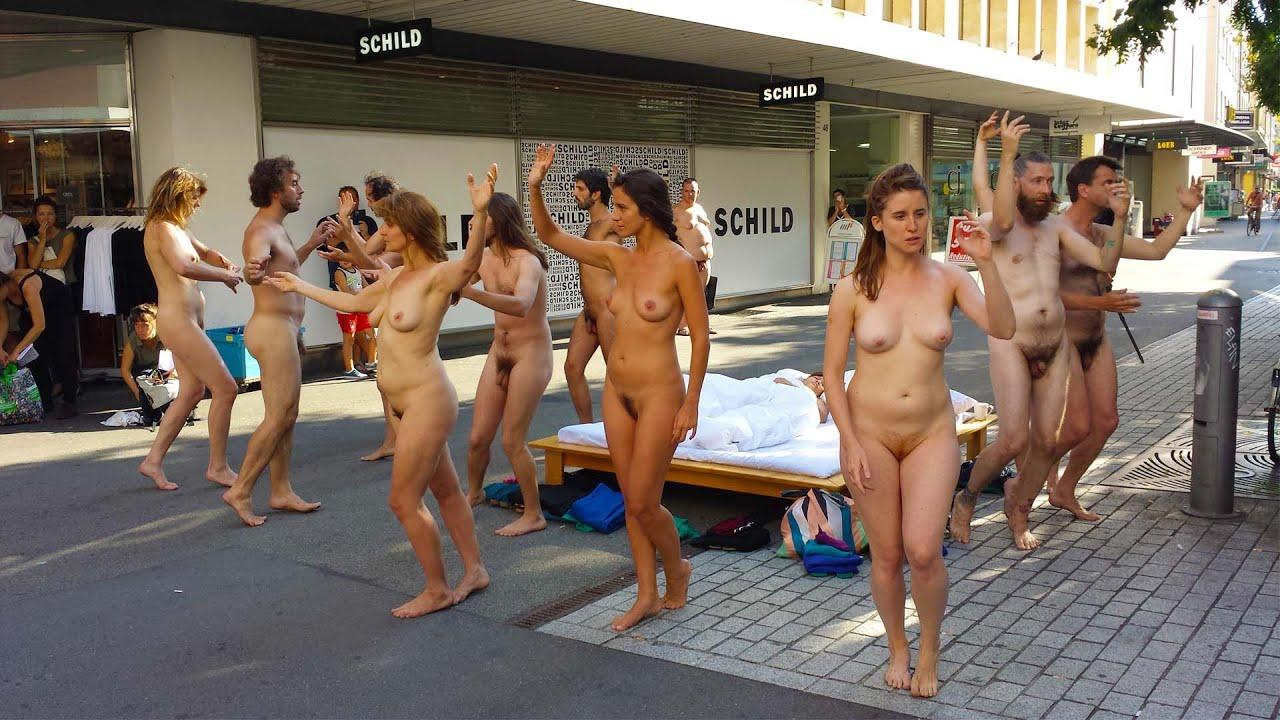 PB&J reccomend Public Naked Pics